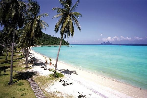 Outrigger Phi Phi Island2