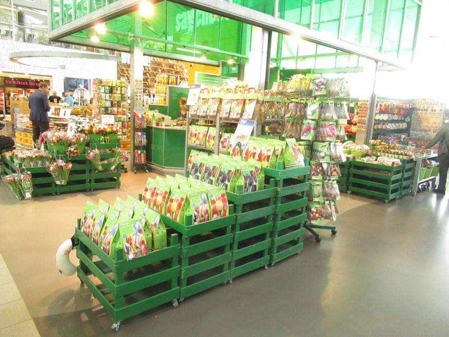オランダの空港では球根が販売されています。