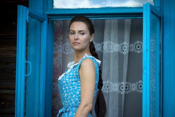 Ольга Фадеева — роль в фильме Непобедимый, муж и ребёнок ...