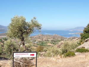 Yediler Manastiri sign hike