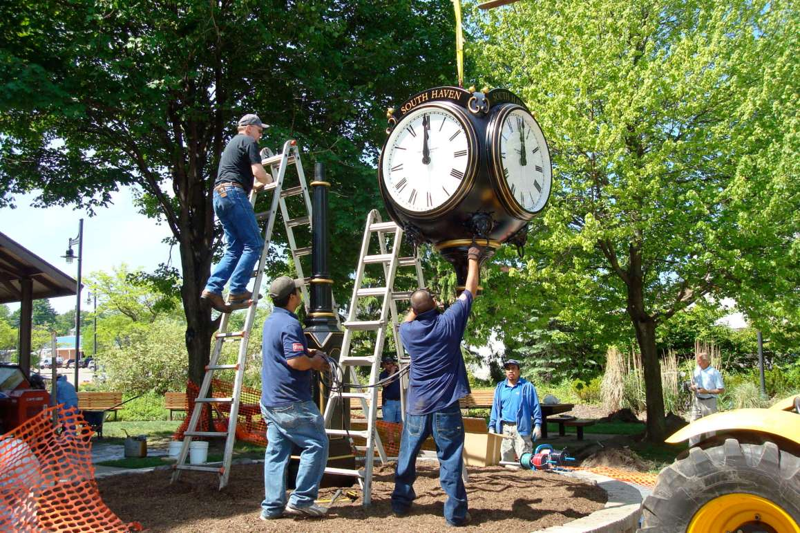 Installing the Downtown Clock