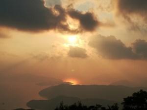 奄美古仁屋・油井岳展望台からの夕日