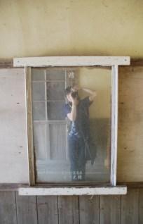 通路に鏡があったので自画撮り