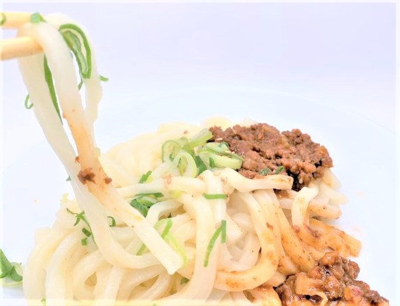なか卯 麻辣担々うどん 並 牛皿 期間限定 2020 テイクアウト japanese-fast-food-nakau-mala-tantan-udon-and-gyusara-szechuan-style-sesame-hot-japanese-noodles-and-beef-bowl-without-the-rice-2020-limited-edition-takeout