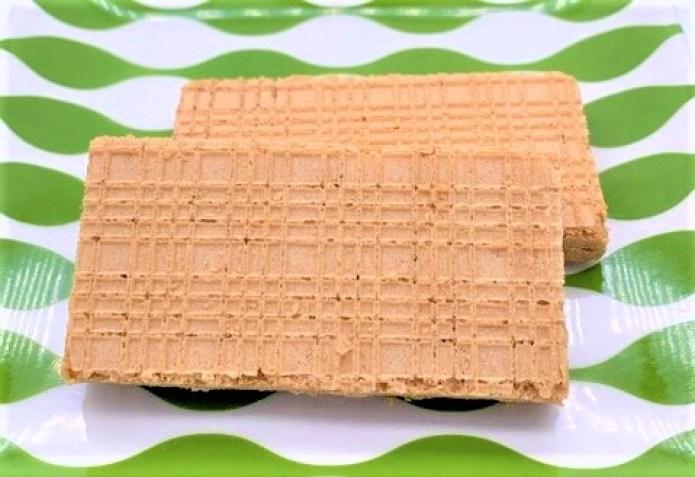 ブルボン カーボバランス 豆乳きなこウエハース 糖質60%オフ 箱 お菓子 2021 japanese-snacks-bourbon-carb-balance-soy-milk-kinako-wafers-2021