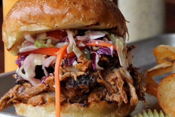 Southpaw BBQ & Southern Cookin'