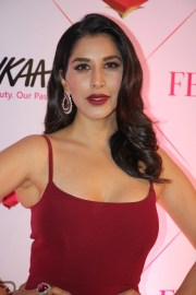 Sophie Choudry (2)