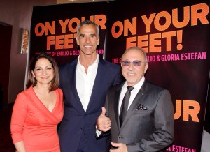 ON YOUR FEET - Emilio & Gloria Estefan with director Jerry Mitchell - Photo credit Bruce Glikas 2014