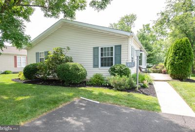 492 Goldenrod Crossing W New Hope PA 18938