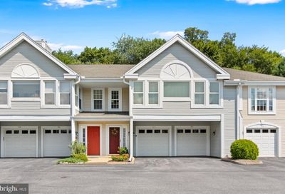 702 Country Place Drive Lancaster PA 17601