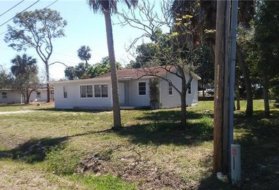 1947 Queen St North Fort Myers FL 33917