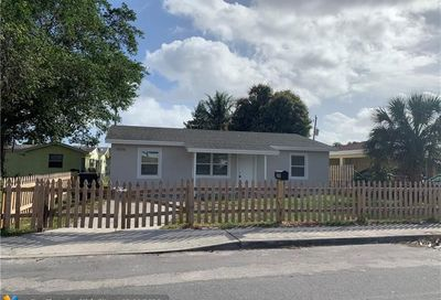 1006 S G St Lake Worth FL 33460