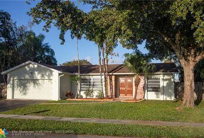 8743 SW 50th Pl Cooper City FL 33328