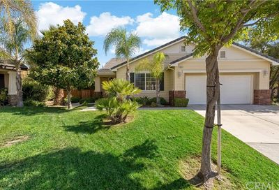 39574 Meadow View Circle Temecula CA 92591