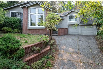 29 WALKING WOODS DR Lake Oswego OR 97035