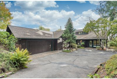 8134 SW VALLEY VIEW DR Portland OR 97225
