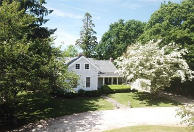 44 Evergreen Ave East Moriches NY 11940
