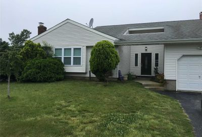 7 Curtis Ave Bellport NY 11713