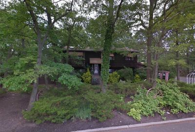 1 Forest Ave Lake Grove NY 11755