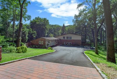 10 Split Oak Dr East Norwich NY 11732