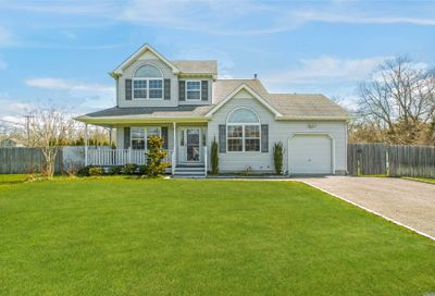 3 Paquatuck Ave East Moriches NY 11940
