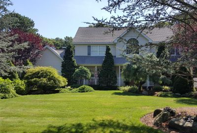 21 Deer Meadow Run Brookhaven NY 11719