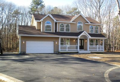 34 Middle Isl Blvd Middle Island NY 11953