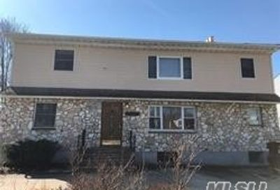 2368 Amherst St East Meadow NY 11554