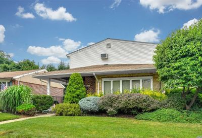 2203 Roosevelt Ave East Meadow NY 11554