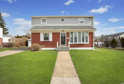 2429 Rugby St East Meadow NY 11554