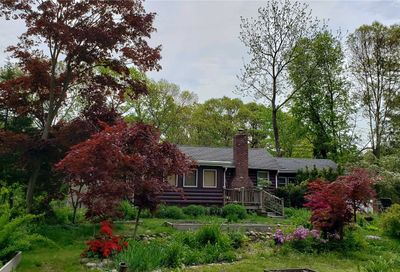 33 Pardam Knoll Rd Miller Place NY 11764