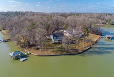 488 Squirrel Lane Lake Wylie SC 29710