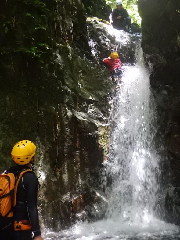 シャワークライミング 丹沢 神奈川 親子で冒険