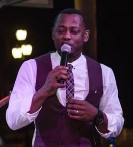 Maurice Singing Up Close