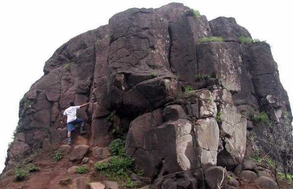 Kalavantin Durg Top