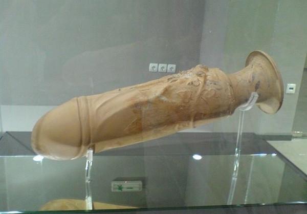 Экспонат из музей при древнем борделе в Фессалониках