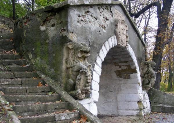высокий замок пещера