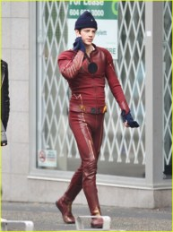 grant-gustin-hares-first-photos-fro-supergirls-crossover-08