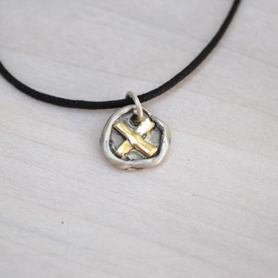 x marks the spot necklace show the love