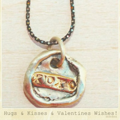 Umm Valentine's Day already!? We got you covered in the #gift department! Our new 'XOXO' necklace is a great way to send your loved one some #hugsandkisses! #showthelovejewelry