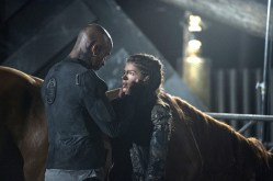 "The 100 -- ""Wanheda: Part One"" -- Image HU301D_0228 -- Pictured (L-R): Ricky Whittle as Lincoln and Marie Avgeropoulos as Octavia -- Credit: Cate Cameron/The CW -- © 2015 The CW Network, LLC. All Rights Reserved"