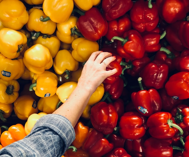how to save money on groceries and still eat healthy
