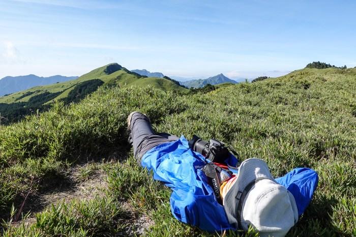 奇萊南華三天兩夜 奇萊南峰南華山 滾動在金色大草原上享樂大自然
