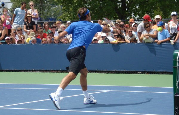 Roger Federer stretch volley net ass bum butt practice Western and Southern Cincinnati Open pictures images photos pics