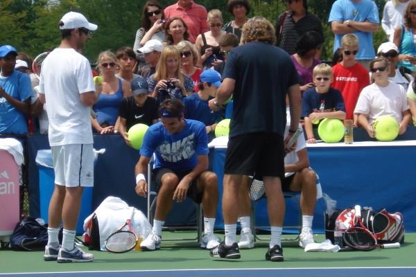 Roger Federer laughing smile practice Cincinnati photos