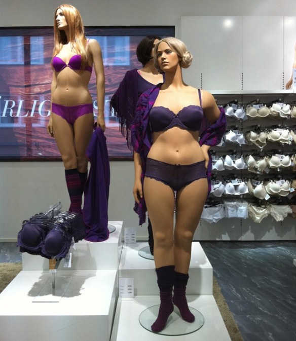 Real Women mannequins