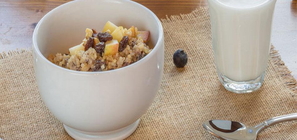 Quinoa Breakfast with Raisins and Pumpkin Seeds
