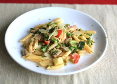 Low Calorie Pasta Primavera wiht White Wine