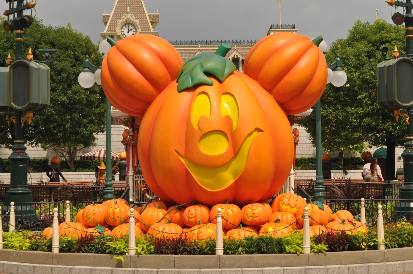 Mickey as a Halloween pumpkin.