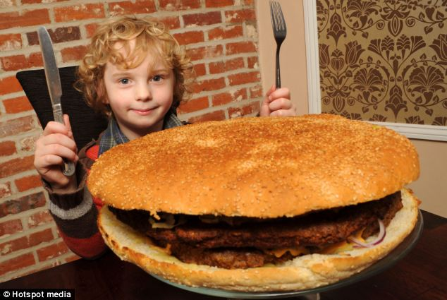 The Worlds Biggest Burger Ever (1)